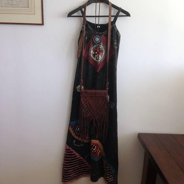 Ibiza, boho maxijurk, handmade fringe leren tas & handmade ketting turquoise