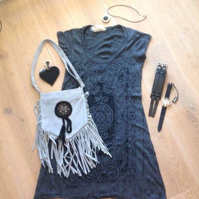 Boho jurk & Fringe tas!