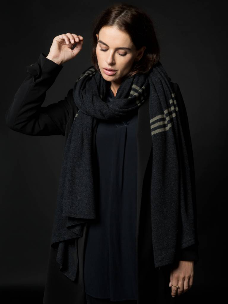 sjaal sjaalmania pinstripe black-olive