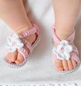 Gehaakte baby sandaal roze