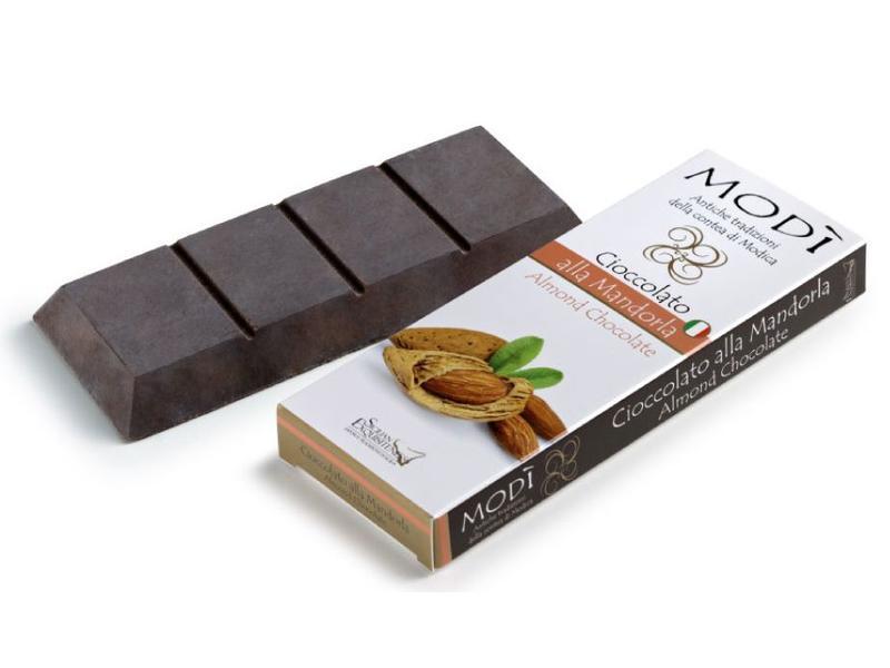 Chocolade uit Modica, Sicilie, bereid met echte amandel volgens oeroud Azteeks recept