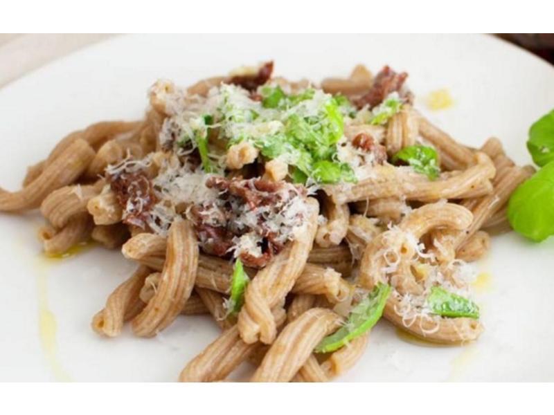 Siciliaanse pasta Caserecce, gemaakt van durum tarwe