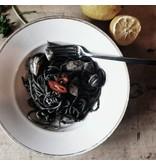 Zwarte pasta, gemaakt van Siciliaanse durumtarwe en inktvis