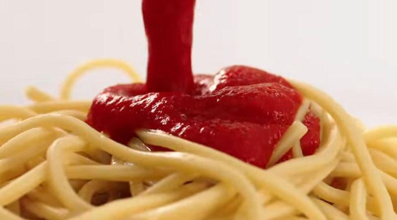 Klassieke pastasaus, de rode schat van Sicilië