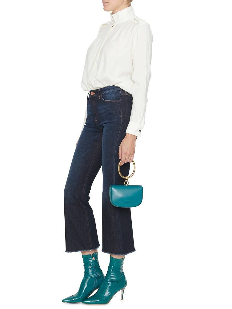 PT05 abgeschnittene ausgestellte Jeans