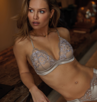 Chptr-S Chptr-S Confident bralette with embroidery champagne