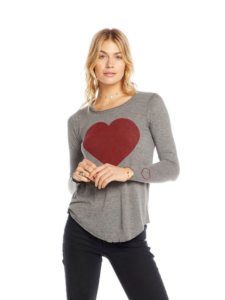 Chaser top with long sleeves and heart gray