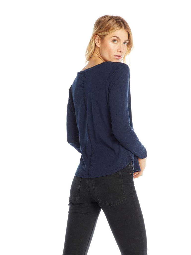 Chaser Top mit langen Ärmeln und Tasche in dunkelblau