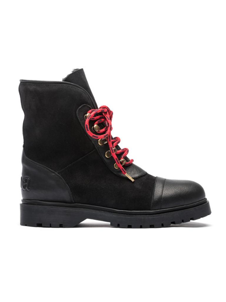 CHA mountain boots black