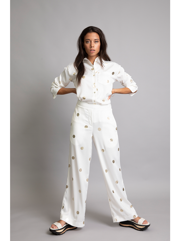 Chptr-S Chptr-S The Barcelona trousers white with golden dots