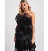 Forever Unique Forever Unique Halle schwarzes Kleid mit Rüschendetails