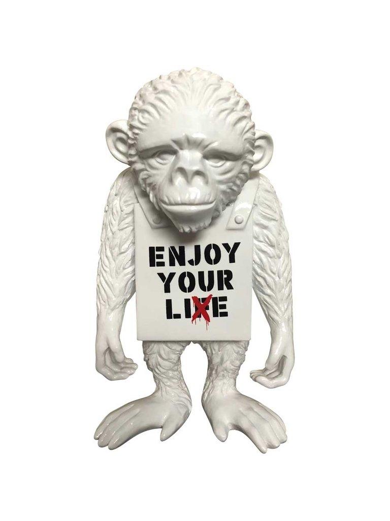 Van Apple Art Van Apple Art Street monkey beeld Enjoy your life