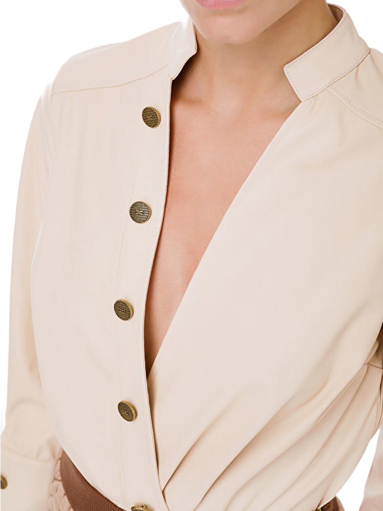 Elisabetta Franchi Elisabetta Franchi faux leer body met goudkleurige knopen ecru