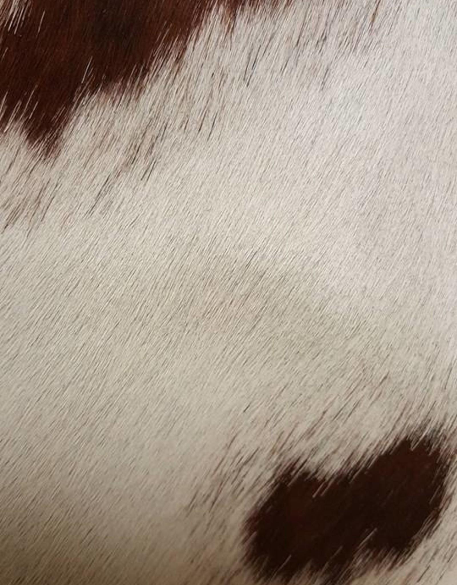 Guiliano clutch, koeienhuid