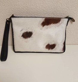 Guiliano clutch, koeienhuid