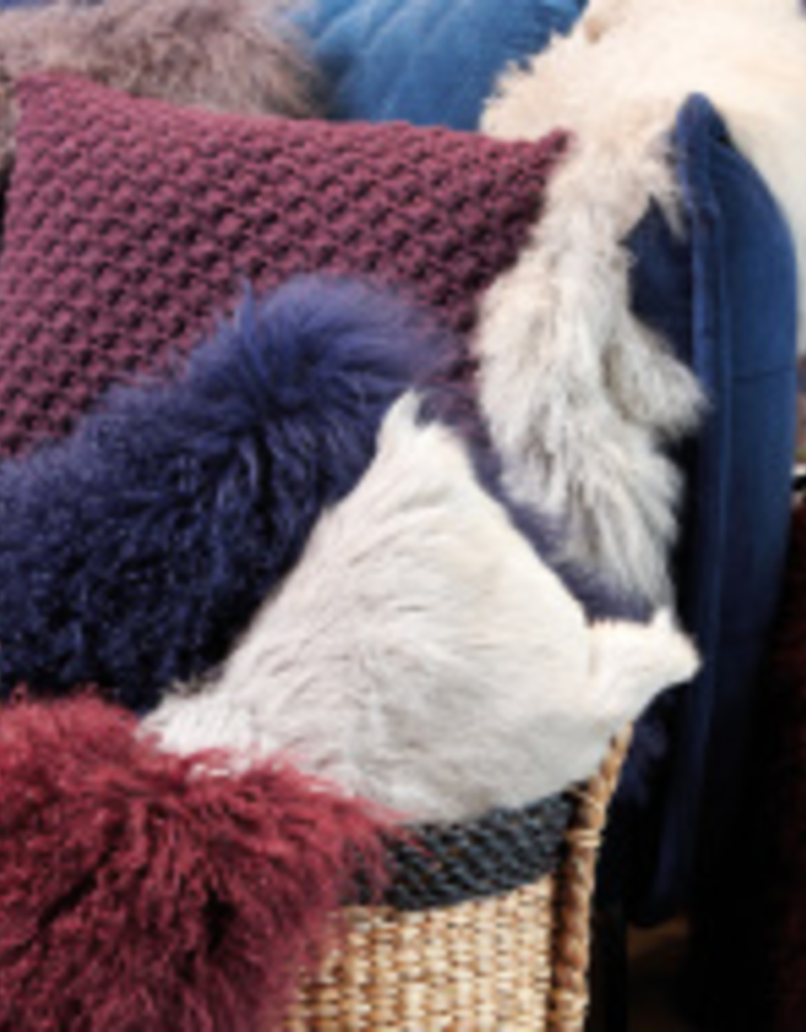 Lifestyle tibetan lambscin natural 90x50cm