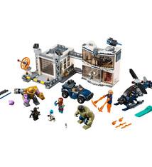 Lego Lego Marvel Avengers 76131 Strijd bij de Basis van de Avengers