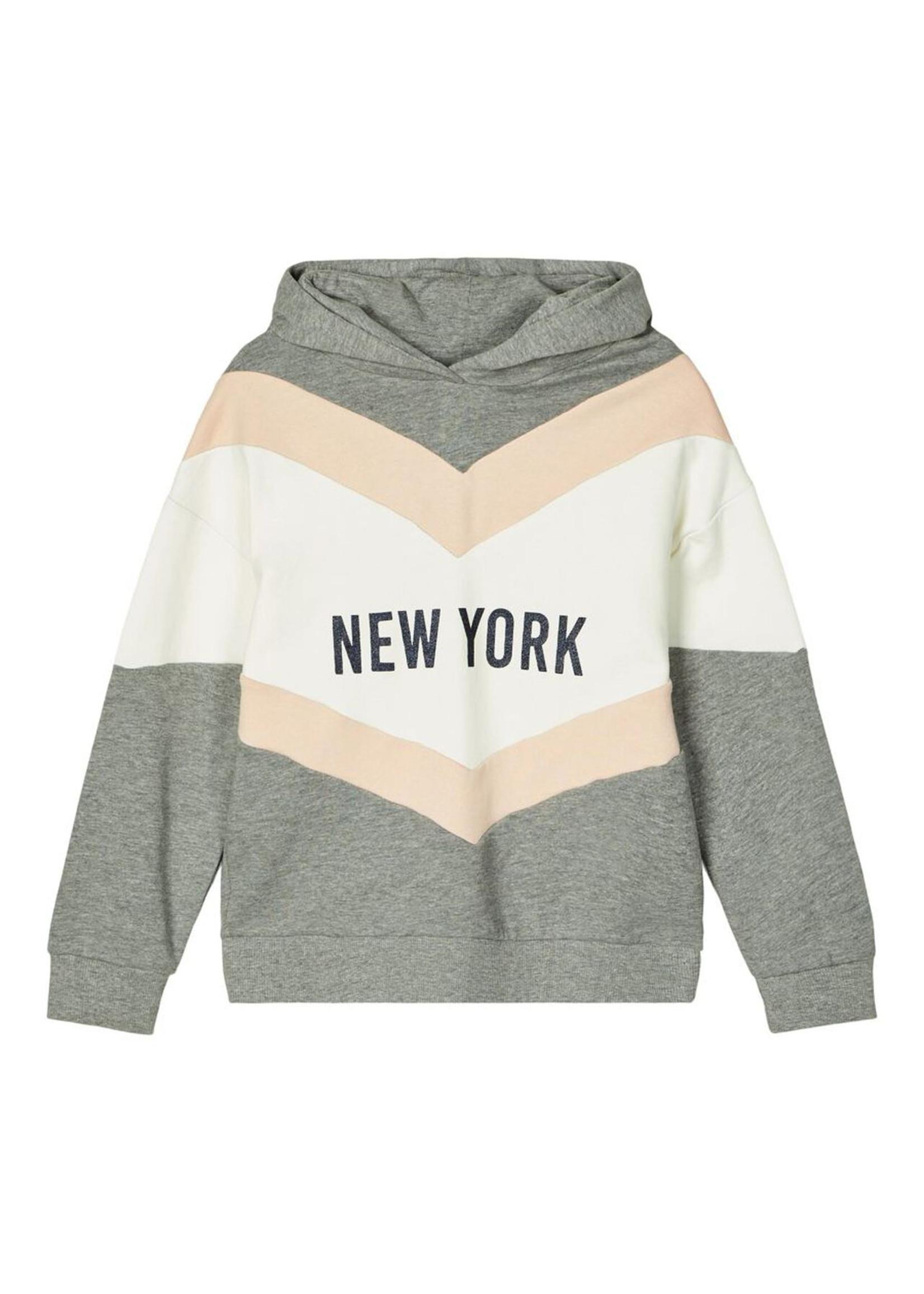 Name it hooded sweater maat 116 + 122/128