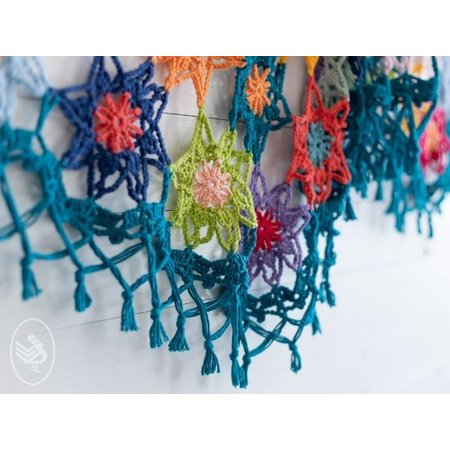 Durable Haakpakket: Colourful Cosy Flower Shawl