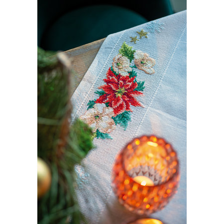 Vervaco Borduurpakket Tafelkleed Kerstbloemen