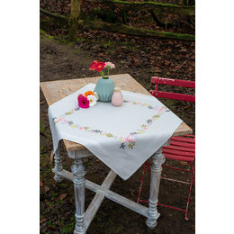 Vervaco Borduurpakket Tafelkleed Bloempjkes en blaadjes