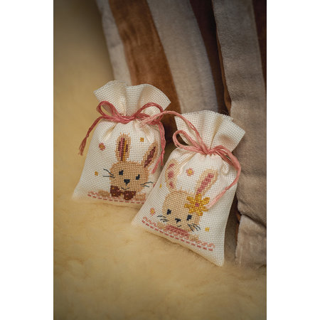 Vervaco Borduurpakket Kruidenzakje Lieve konijntjes - set van 2