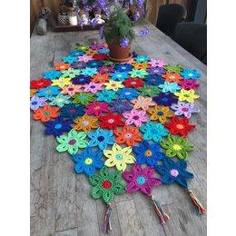 Caro's Atelier Haakpakket: Flower Feest Tafelkleed