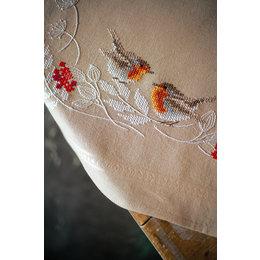 Vervaco Borduurpakket Tafelkleed Roodborstjes in de winter
