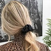 Faux leather scrunchie zwart