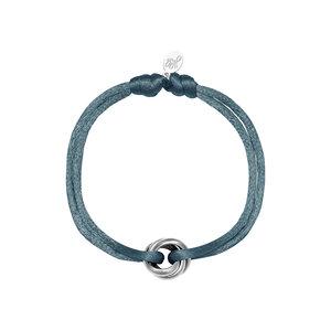 Satijnkoord armband met ringen blauw/zilver