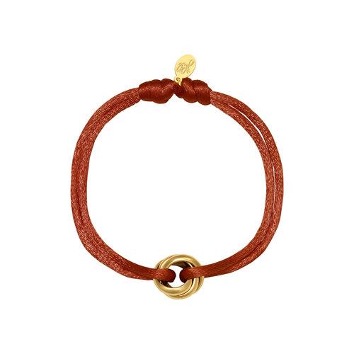Satijnkoord armband met ringen terra/goud