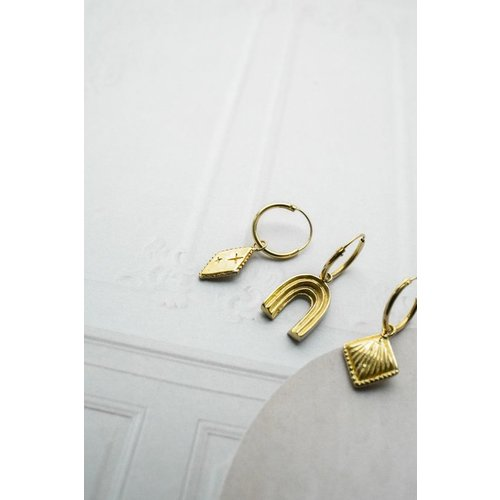 Flawed Modern Arch hoop gold plated