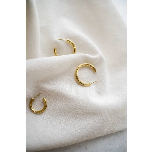 Flawed Vintage Pillar hoops small gold plated
