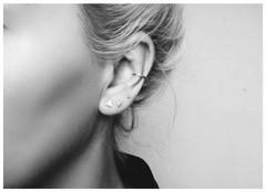 Minimalistische Oorbellen Zilver : Minimalistische stud oorbellen oh so hip