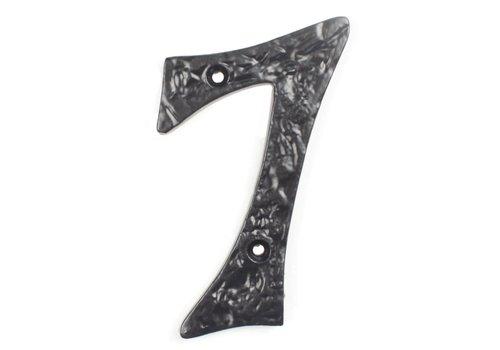 Huisnummer 7 cursief