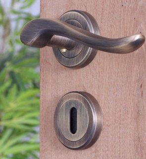 Gietijzeren deurkrukken
