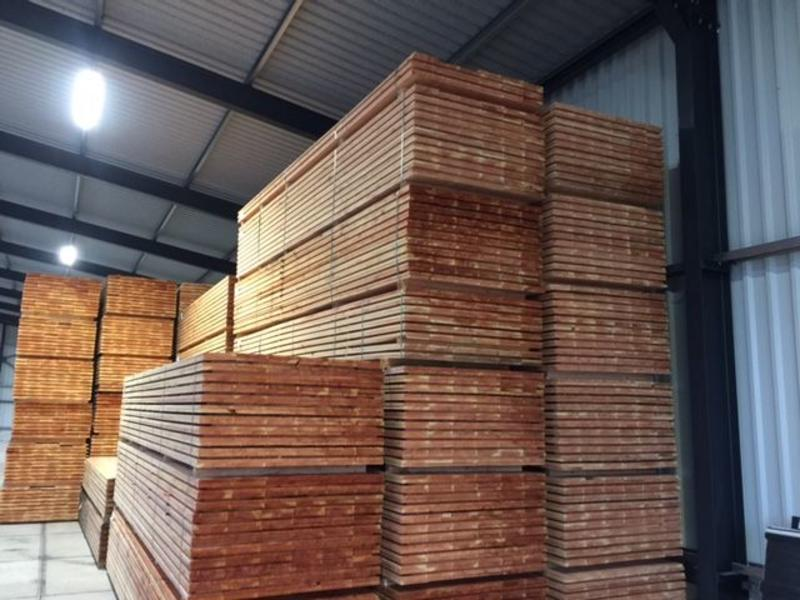 Van Gelder Hout Douglas Plank / Schuttingplank 22 x 200 mm (2.2 x 20 cm) Fijnbezaagd