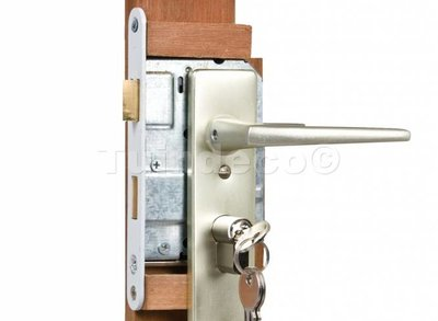 Eindplank hardhout voor ijzeren deurframe
