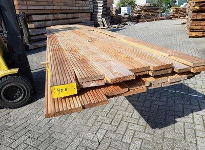 Restant partij Douglas Vlonderplanken per volle bundel a 27 stuks  28x140x5000 mm Met Profiel - B958