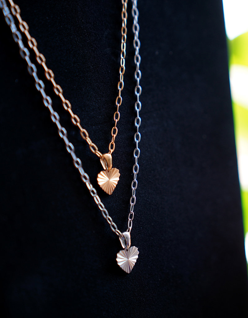 A Women's Vintage Heart Gold