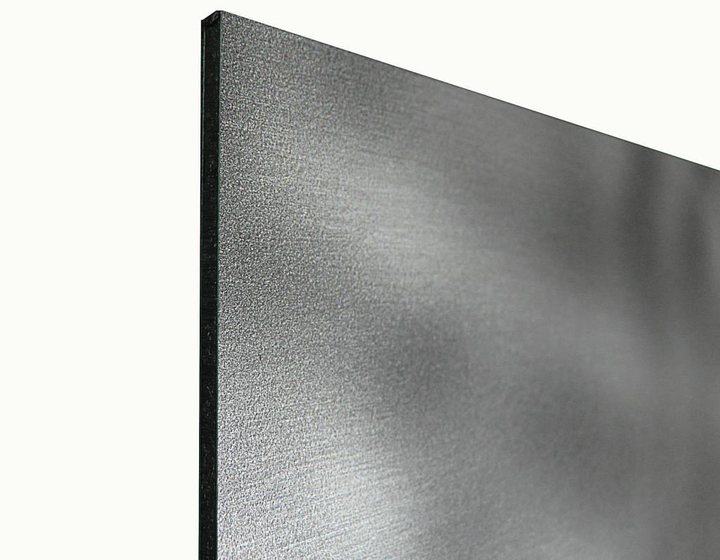 Pluis op dibond - 3 mm dik butler finish zilver