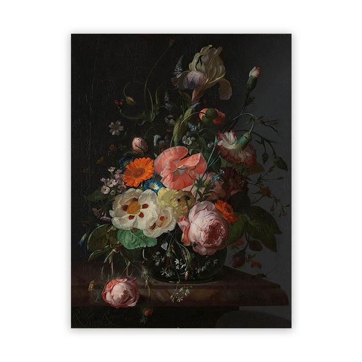 Bloemen op marmeren tafel