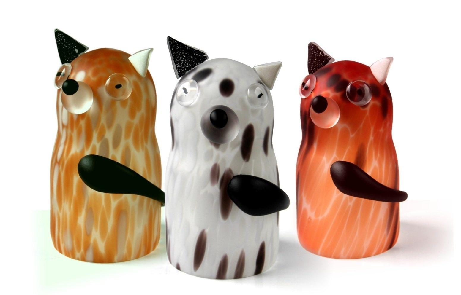 Handgemaakte glazen hond.