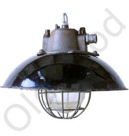 Bulov1 industrial lamp - black