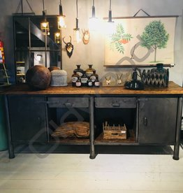 Industrieel meubel (Verkocht) Industriële dressoir