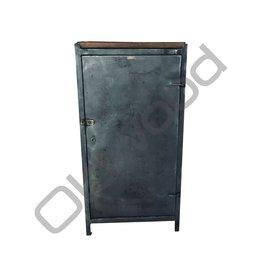 Industrieel meubel (Sold) Industrial locker