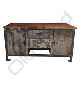 Industrieel meubel Reeds Verkocht! Industriële werkbank