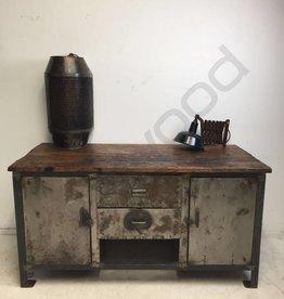 Industrieel meubel Metalen werkbank