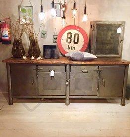 Industrieel meubel Verkocht! Industrieel dressoir  / kookeiland
