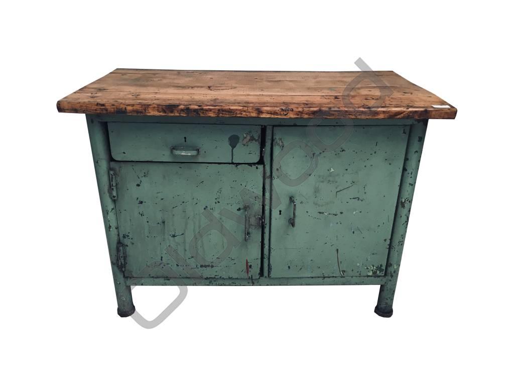 Industrieel meubel Stoer groen dressoir